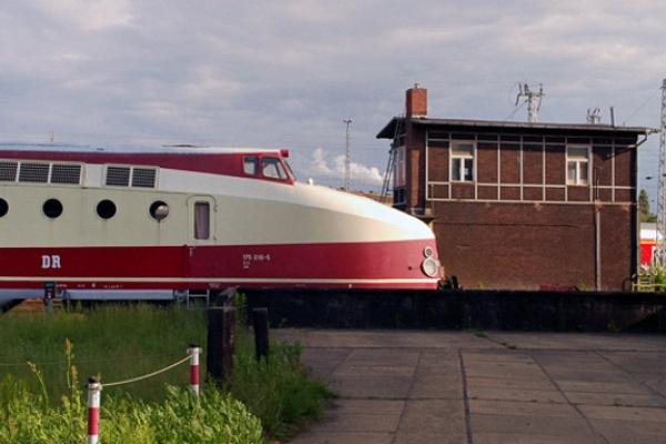 verkehrswesenDADA9D76-DC9F-DB84-42F9-967AA05CB33D.jpg